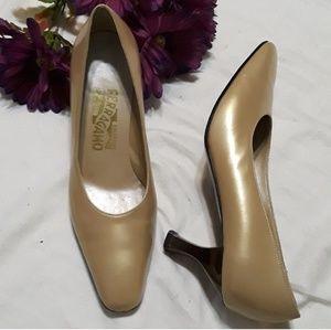 Vintsge Salvatore Ferragamo heels